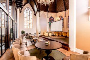 Vergaderen in het kerkje Nicolaas Appingedam