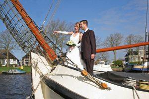 Trouw romantisch op het Lauwersmeer, op het Wad of op Schiermonnikoog met zeilschip Babbelaer